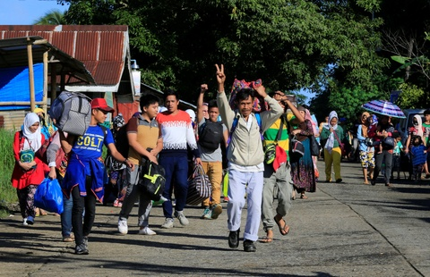 Canh dan Philippines treo co trang trong giao tranh chong IS hinh anh 11