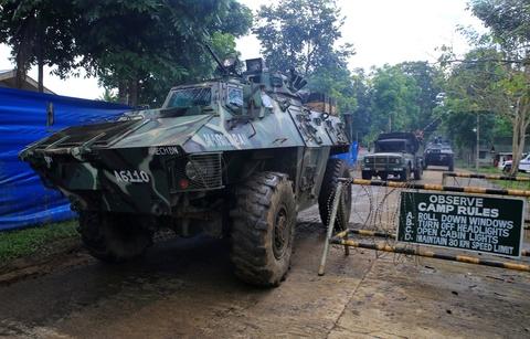 Canh dan Philippines treo co trang trong giao tranh chong IS hinh anh 10