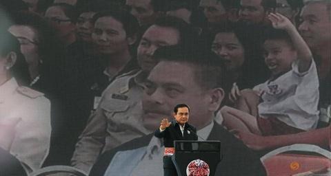 Khong con Yingluck, phe quan su Thai muon nam quyen lau hon? hinh anh 2
