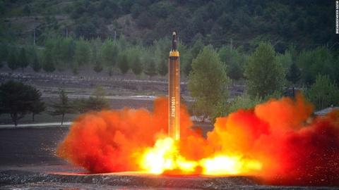 Phot lo Trung Quoc, Kim Jong Un doi dau truc tiep TT Trump hinh anh 2