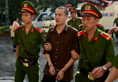 Tham sat Binh Phuoc: Nguoi nha dem di anh nan nhan den toa hinh anh 2