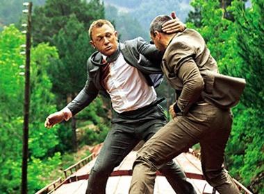 Daniel Craig lieu mang khi dong 'Tu dia Skyfall' hinh anh