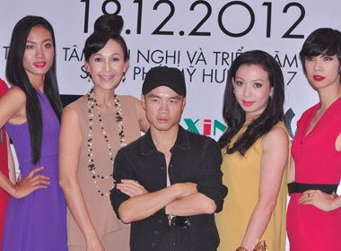 Do Manh Cuong cam cua 'khach khong moi' lam nao loan tham do hinh anh