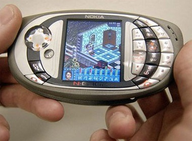 10 smartphone Symbian tung 'lam mua lam gio' hinh anh