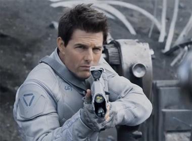 'Bom tan' dau tien nam 2013 cua Tom Cruise hinh anh