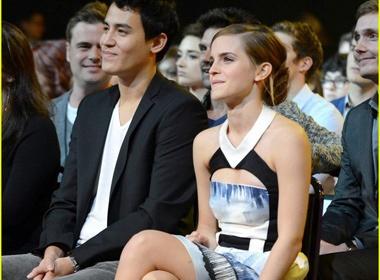 Ro tin Emma Watson sap cuoi ban trai goc A hinh anh