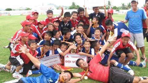 U13 PVF thang kien BTC giai U13 Cup YAMAHA 2013 hinh anh