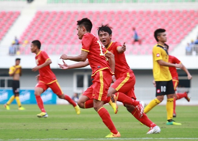 Nhat ky SEA Games 8/12: Viet Nam len top 4 hinh anh
