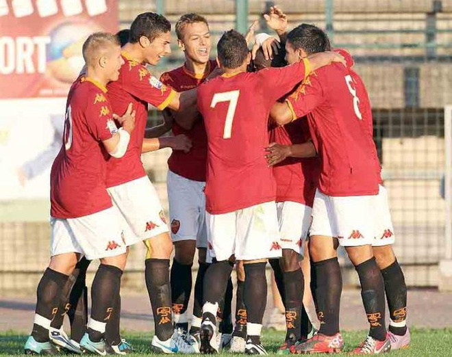 U19 AS Roma yeu cau thuc don hon ca VIP hinh anh 1