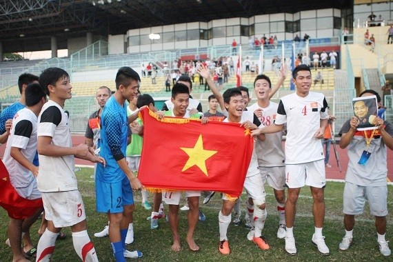 Running man va U19 - diem sang trong nam cua the thao Viet hinh anh