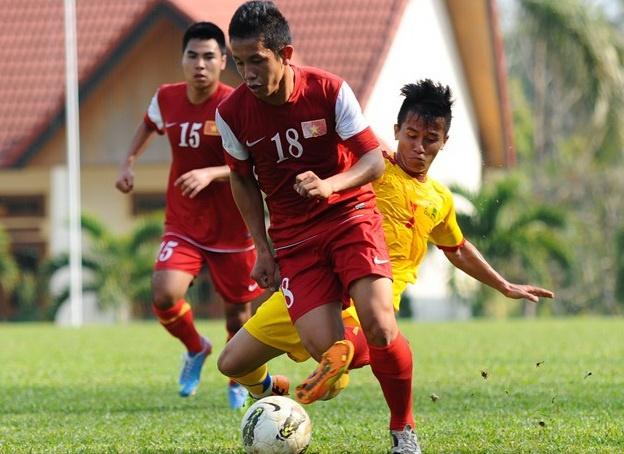Hon 8 ty dong cho U19 Viet Nam tap huan chau Au hinh anh