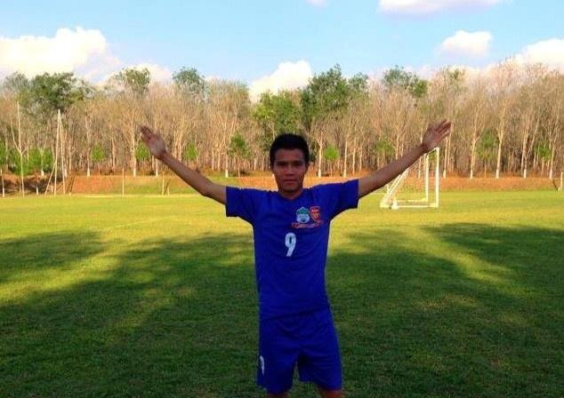 VFF de xuat danh sach bo sung cho U19 Viet Nam hinh anh 2 Lê Hoàng Thống là nhân tố mới được bổ sung cho chuyến tập huấn châu Âu vừa qua.