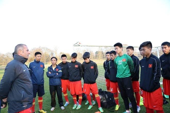 VFF de xuat danh sach bo sung cho U19 Viet Nam hinh anh 1 U19 Việt Nam không khi nào có đầy đủ lực lượng tại châu Âu do chấn thương. Ảnh: P.Đào.