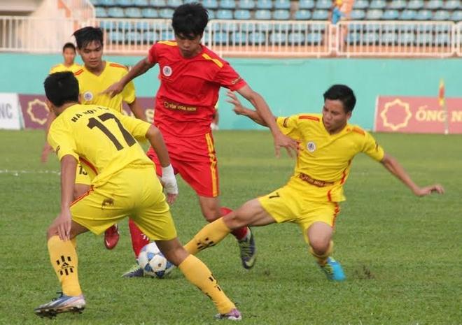 VFF de xuat danh sach bo sung cho U19 Viet Nam hinh anh 3 Những cầu thủ của đội U19 SLNA và Hà Nội T&T (2 đội vào chung kết giải U19 quốc gia vừa qua) sẽ được xem xét để bổ sung vào đội U19 Việt Nam. Ảnh: Văn Ngọc.