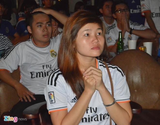 Fan Real Madrid tai TP.HCM mung chien thang ngay trong dem hinh anh 8
