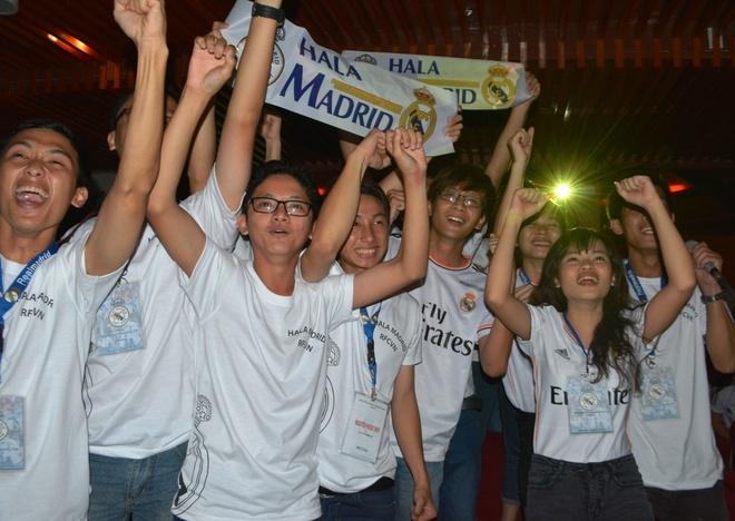 Fan Viet phat cuong vi Ronaldo, Ramos hinh anh