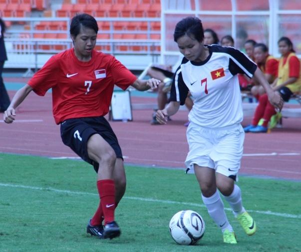U19 nu Viet Nam vui dap Singapore 10-0 hinh anh
