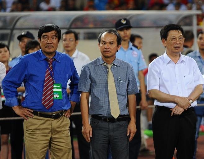 Bau Duc thue chuyen co cho U19 Viet Nam tai Myanmar hinh anh