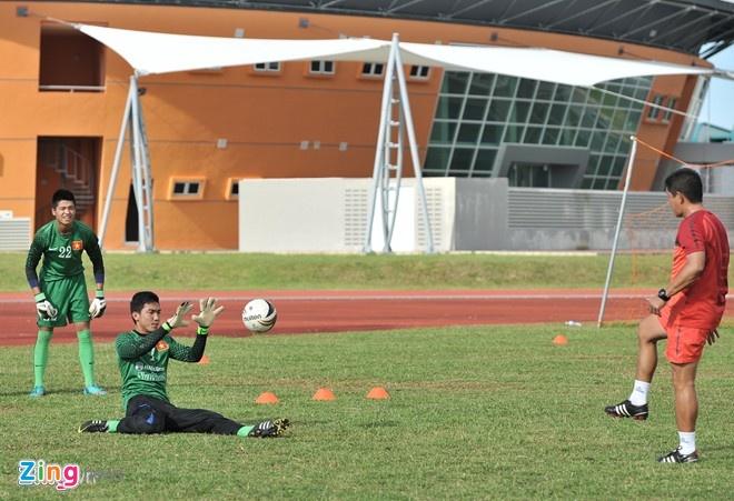 Muon neo duong vao U19 Viet Nam hinh anh 3 Nếu không được HAGL đưa về, Lê Văn Trường không biết có thể theo con đường bóng đá đỉnh cao khi Vĩnh Phúc- quê anh không có đội bóng thi đấu ở các hạng cấp cao.