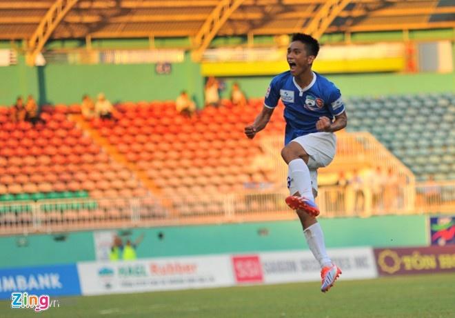 Tin dung lua U19 HAGL, bau Duc chia tay 20 cong than hinh anh 1 Lê Hoàng Thiên là một trong những cựu binh được HAGL giữ lại phục vụ cho mùa bóng 2015.