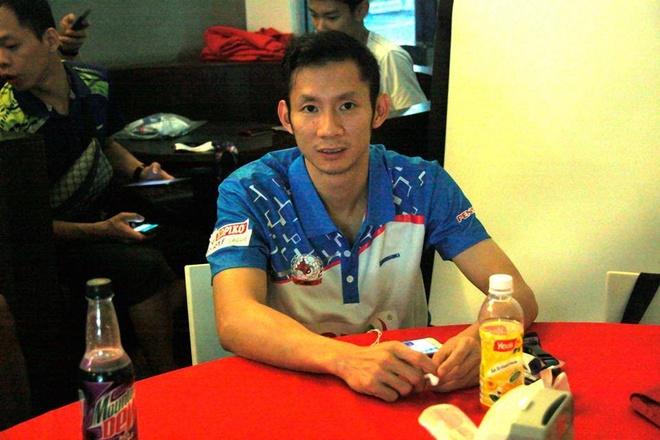 Nguyễn Tiến Minh trong màu áo CLB Petaling Jaya BC.