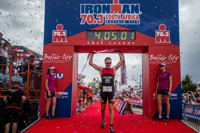 James Cunnama chinh phuc VNG Ironman 70.3 hinh anh 2