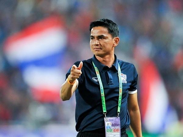 Kiatisak chi dao U23 Thai Lan tai SEA Games qua dien thoai hinh anh