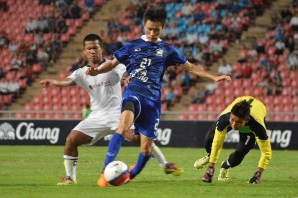 Kiatisak nhac nho hoc tro can than truoc U23 Myanmar hinh anh