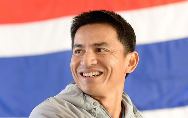 Kiatisak: 'Cac doi bong Dong Nam A bat dau lo so Thai Lan' hinh anh