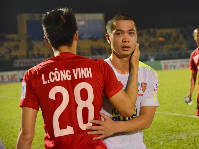 Cong Vinh an ui Cong Phuong sau tran thua dam hinh anh