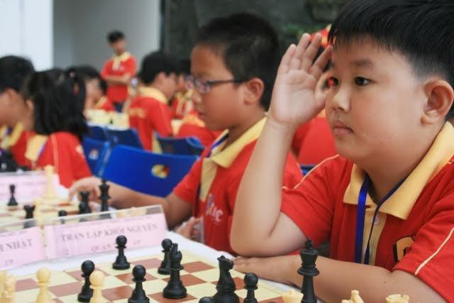 Le Quang Liem du giai co vua danh cho tre em hinh anh