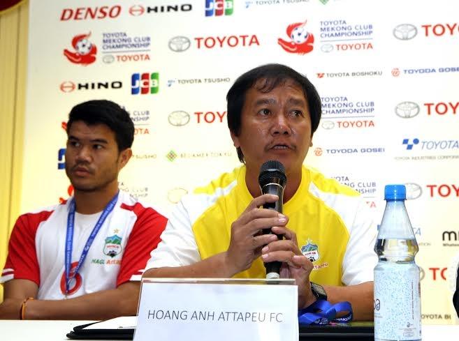 Linh bau Duc dan dat U19 Lao du giai DNA hinh anh 1 HLV Phan Tôn Lợi để lại nhiều ấn tượng khi dẫn dắt Hoàng Anh Attapeu thi đấu ở giải VĐQG Lào.
