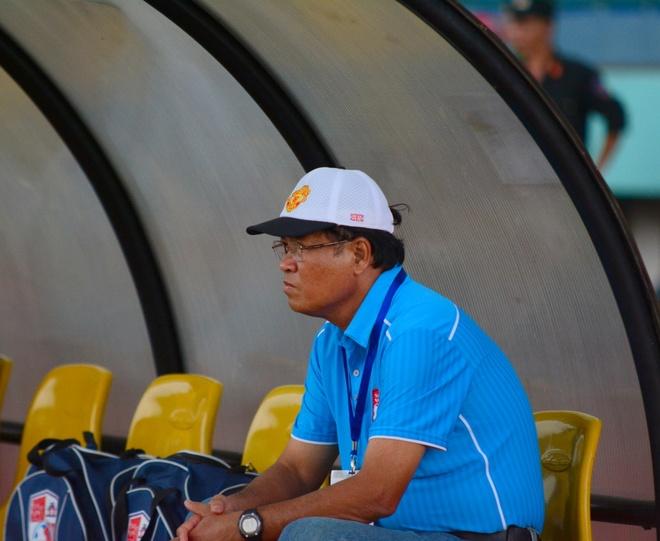 HLV Dong Nai: 'Toi se nghi, khong nuot loi nhu Blatter' hinh anh