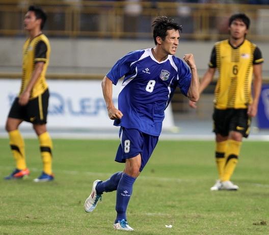 Dai Loan goi nguoi mau nghiep du doi dau DTVN hinh anh 2 Xavier Chen từng là đội trưởng U19 Bỉ thi đấu 19 trận từ năm 2001-2002.