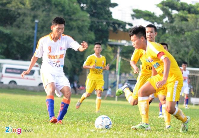 Tuyen thu U23 da hong phat den khien U21 Da Nang thua dam hinh anh 1 Phan Văn Long bỏ lỡ những cơ hội rõ ràng khiến U21 Đà Nẵng thua đậm Hà Nội T&T.