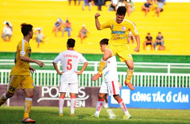 Tien dao U23 Viet Nam lap hat-trick tai ban ket giai U21 hinh anh