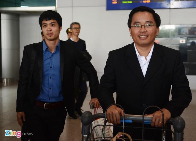 Cong Phuong se ky hop dong tai TP HCM hinh anh 2 Công Phượng sang thi đấu tại Nhật Bản mang theo nhiều hy vọng làm ăn cho các doanh nghiệp Nhật Bản.