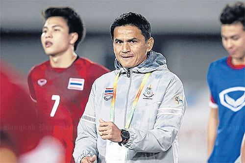 Thai Lan treo thuong dam cho thay tro Kiatisak hinh anh