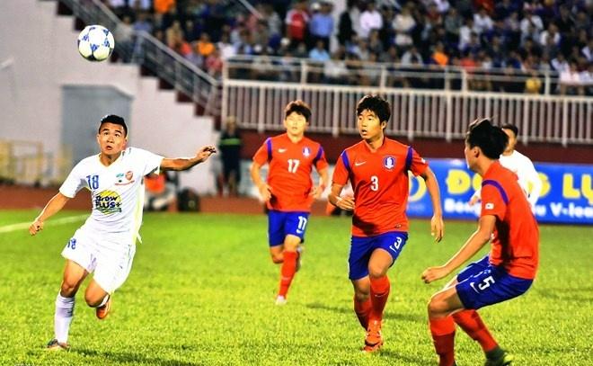 HLV U19 Han Quoc: 'U21 HAGL choi sang tao o hang tien ve' hinh anh