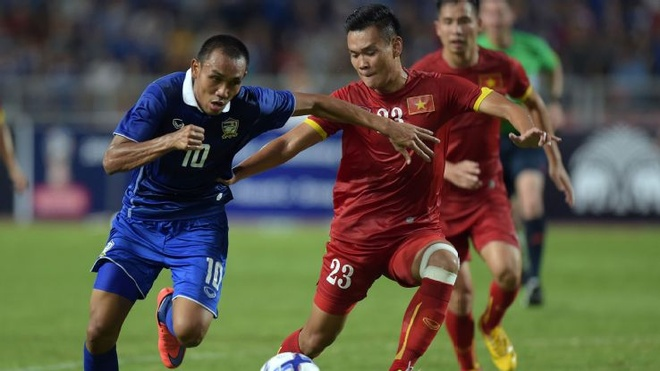 Viet Nam thua xa Thai Lan tren bang xep hang FIFA hinh anh