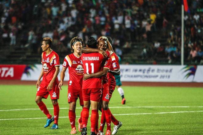 Doi bong Campuchia thach thuc B.Binh Duong tai Mekong Cup hinh anh