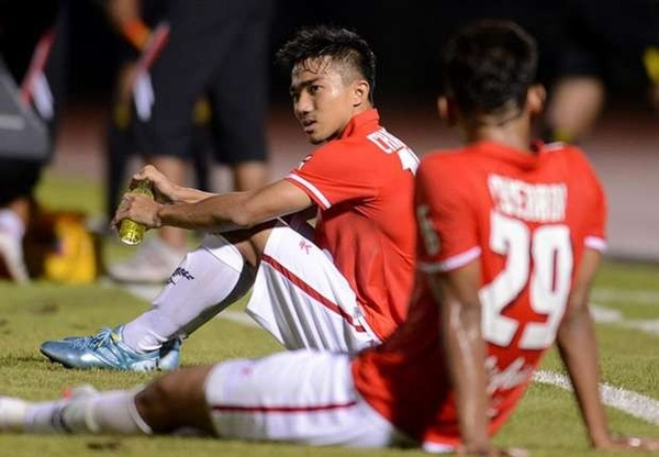 Cau thu doi xuong hang lam nong cot cua U23 Thai Lan hinh anh 1