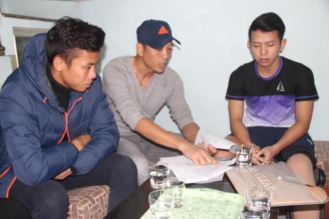 Trao tien cho Anh Khoa, Ngoc Hai chua chac tro lai U23 VN hinh anh 1 Anh Khoa đã tha thứ cho Ngọc Hải và giờ chỉ mong sớm hồi phục chấn thương để trở lại sân cỏ.