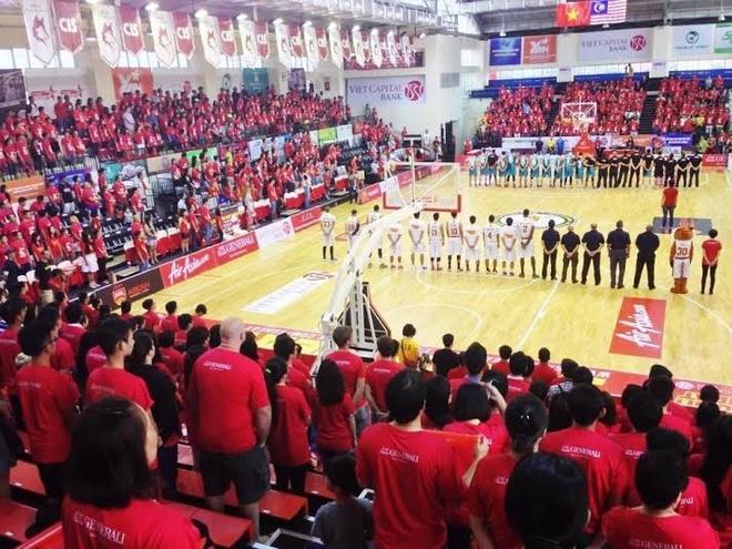 Saigon Heat hai lan ha guc nha vo dich Thai Lan hinh anh 3 Gần 2000 cổ động viên nhuộm đỏ nhà thi đấu CIS – sân nhà của Saigon Heat