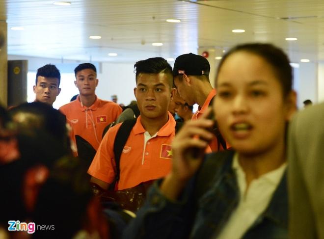 VFF bo tri 3 xe don U23 Viet Nam ve Binh Duong hoi quan hinh anh 5