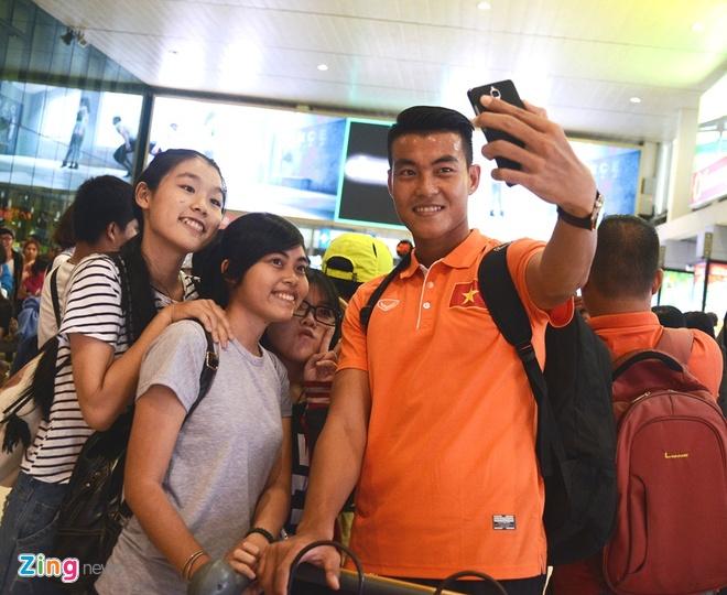 VFF bo tri 3 xe don U23 Viet Nam ve Binh Duong hoi quan hinh anh 6
