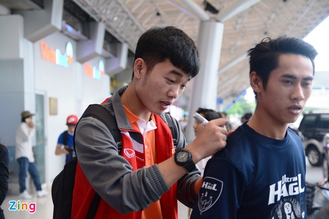 VFF bo tri 3 xe don U23 Viet Nam ve Binh Duong hoi quan hinh anh 9