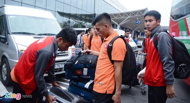 VFF bo tri 3 xe don U23 Viet Nam ve Binh Duong hoi quan hinh anh 8