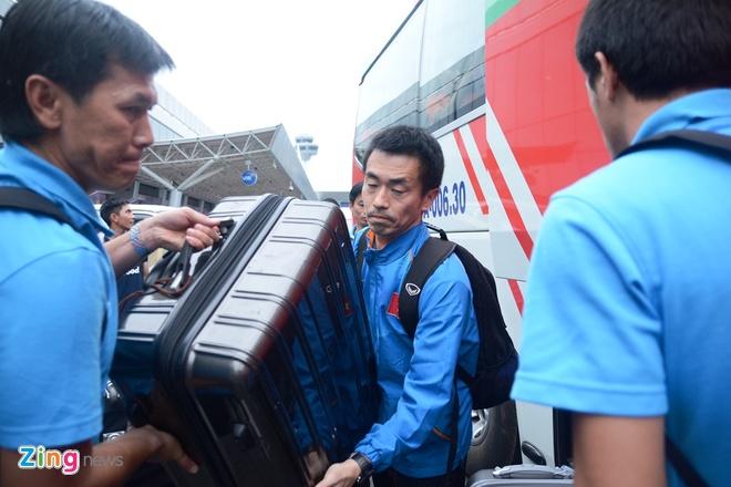 VFF bo tri 3 xe don U23 Viet Nam ve Binh Duong hoi quan hinh anh 2