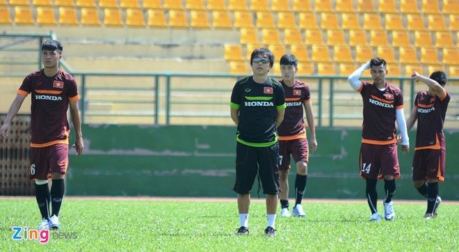 HLV Miura cho U23 Viet Nam tap chay giua trua nong hinh anh 8